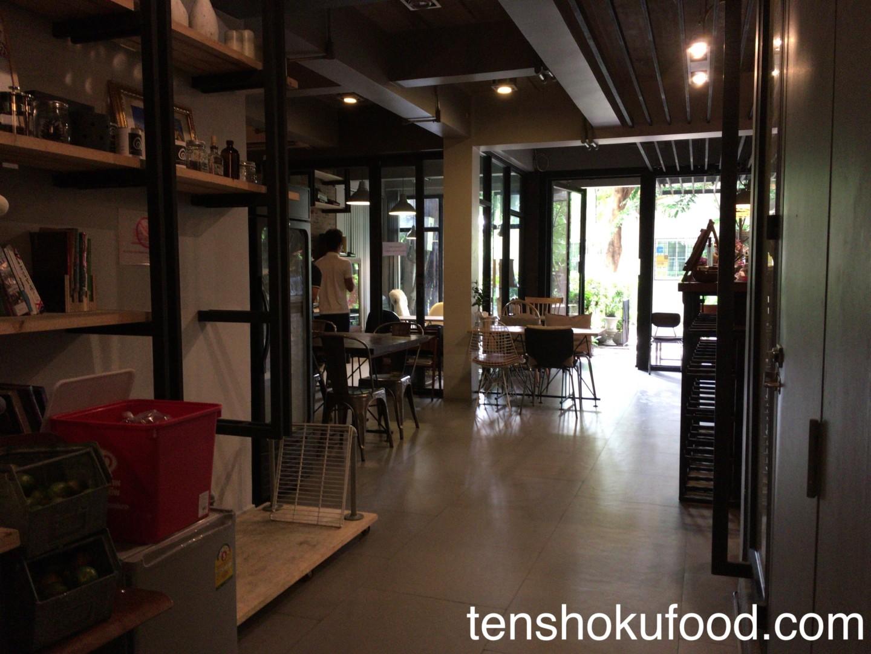カフェ 店舗風景